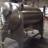 Stainless-steel-horizontal-jacketed-tank.
